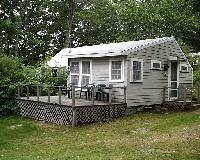 Pine Cottage - Queen and twin beds w/ bath. Living room, porch, kitchenette